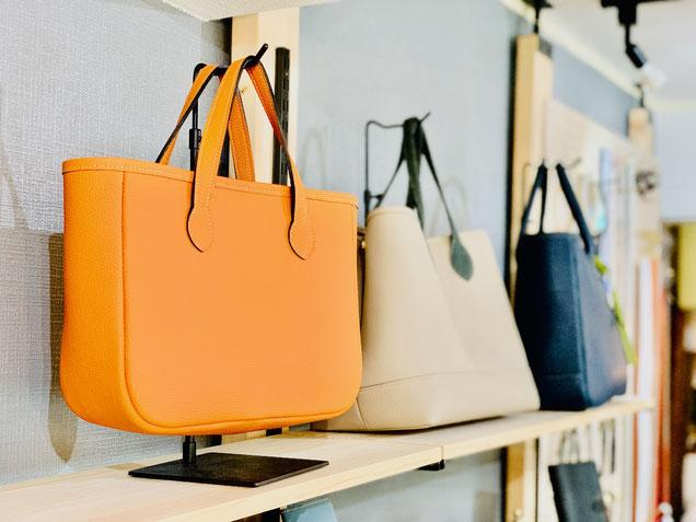 東京青山のレザークラフト教室で作る革のバッグ