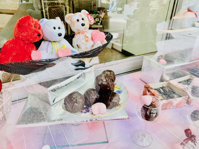 ヨコハマセリエへの道のりにあるお菓子屋さんのお菓子