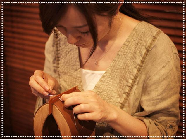 東京・横浜・大阪にあるレザークラフト(革)教室ヨコハマセリエ 生徒さんの手縫い