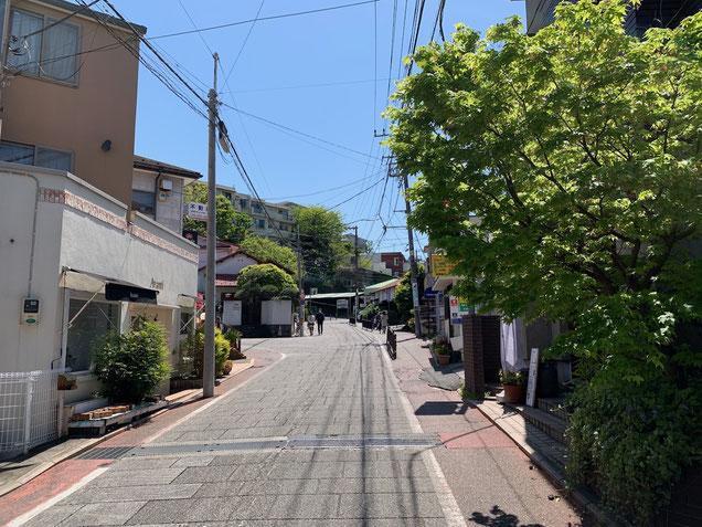 横浜元町のレザークラフト教室のある代官坂