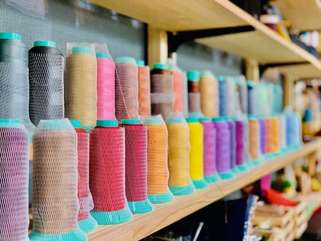 東京のレザークラフト教室で使う糸