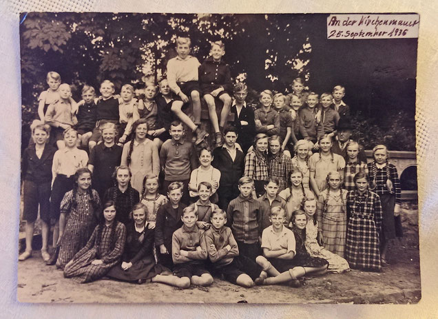 Klassenfoto Hans Siegfried von 1936 -- Zum Vergrößern auf das Bild klicken