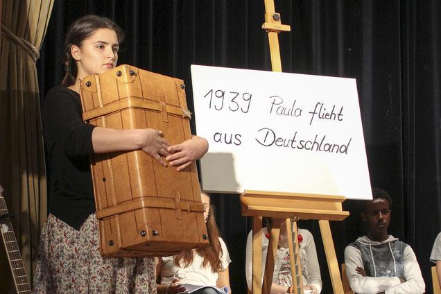 Nichts als einen Koffer nahm die 13-jährige Paula (Ülkü Kahraman) mit, als sie 1939 aus Nazi-Deutschland floh.