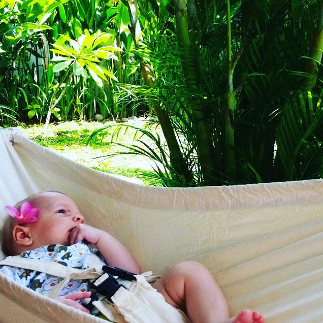 Buddha Baby auf Bali müsste man sein! Elternzeit mit Baby auf Bali. Yoga Mama Blog MOMazing.