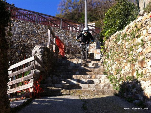 la scalinata segna la fine del divertimento