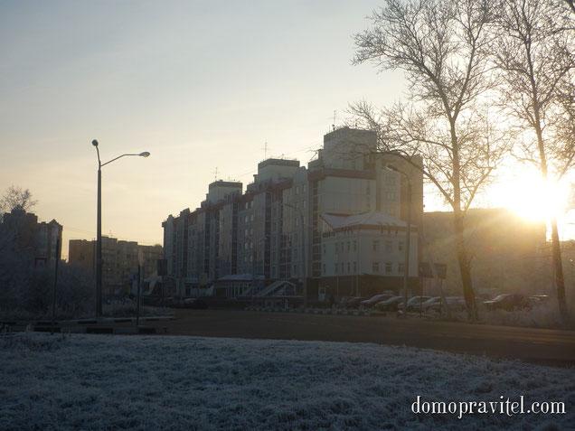 на фото: Гатчина, проспект 25 Октября, дом 52 Б