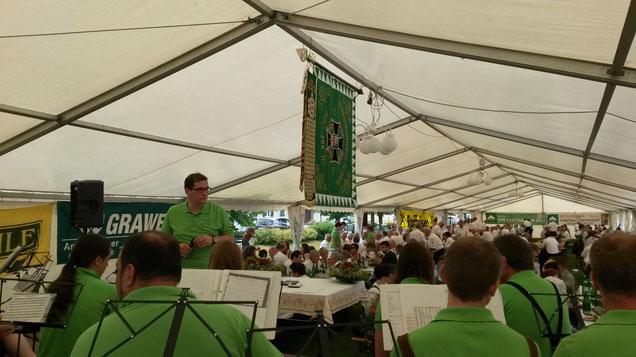 Musikverein Hainersdorf beim Frühshoppen im Festzelt