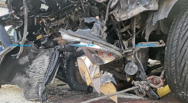 L'auto è stata recuperata grazie al soccorso stradale della carrozzeria di Sisto Caponera