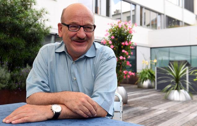 Der bald pensionierte Steuerverwalter Bruno Knüsel wollte das Interview in seiner letzten Arbeitswoche nicht im Büro führen. Der Garten der Steuerverwaltung an der Brünnenstrasse in Bern passe besser zu seiner neuen Lebensphase.