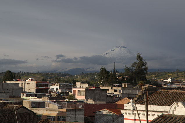 The famous volcano Cotopaxi is only 40km away and easy to see by clear days.