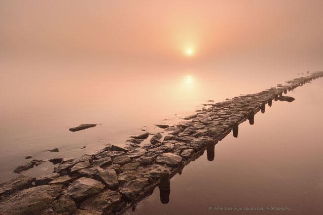 206. Stenen langs het meer