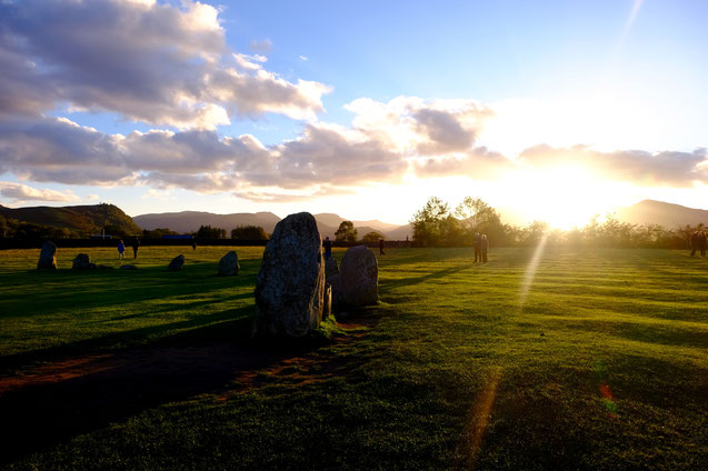 Castlerigg Steinkreis im Lake District bei Sonnenuntergang