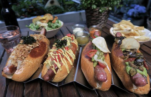 Hotdog im Dogfather in Zürich Popup Restaurant 2018 , nahe Europaallee, Frits, Corndog , Foto von Zurichfoodadvisor