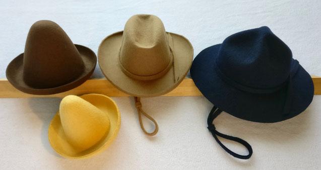Clownhüte, Ranger- oder Pfadfinderhut