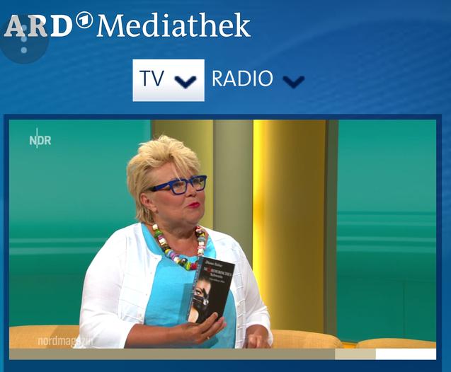 Anke Jahns, Kulturredakteurin beim NDR, stellt mein Buch im Fernsehen vor.