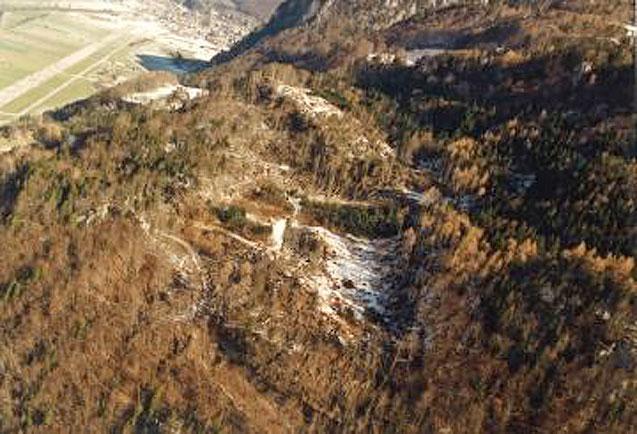 """Waldschäden im Gründen. Foto: Abteilung """"Wald und Naturgefahren des Kanton Glarus"""""""