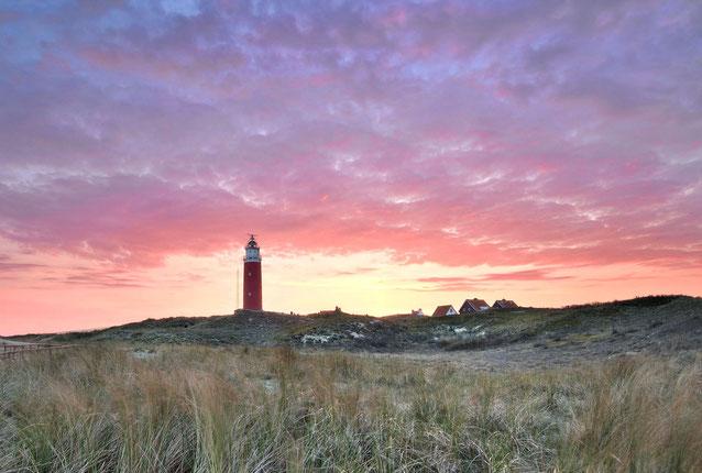 541. Vuurtoren Texel bij zonsopkomst (6038-6039)