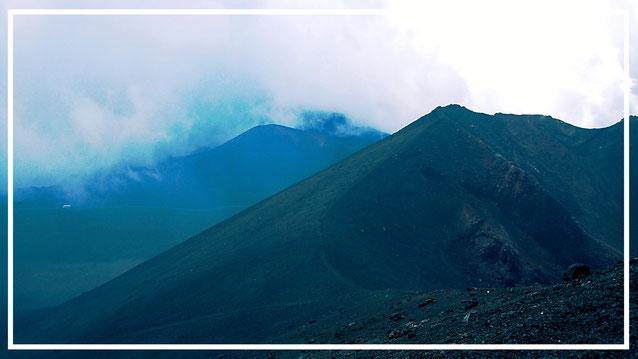 Sizilien. Ätna. Vulkan. Mittelmeer. Kreuzfahrt. Bergsteigen.