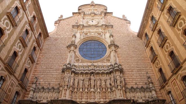 Фасад Базилики Монсеррат