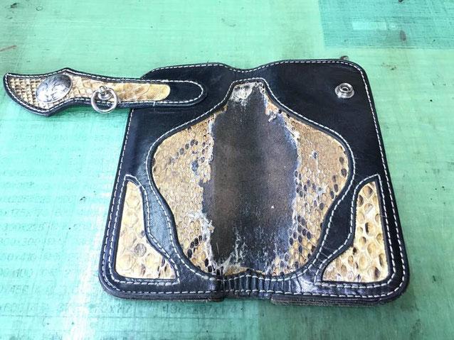 パイソン(蛇革)革財布~修理風景