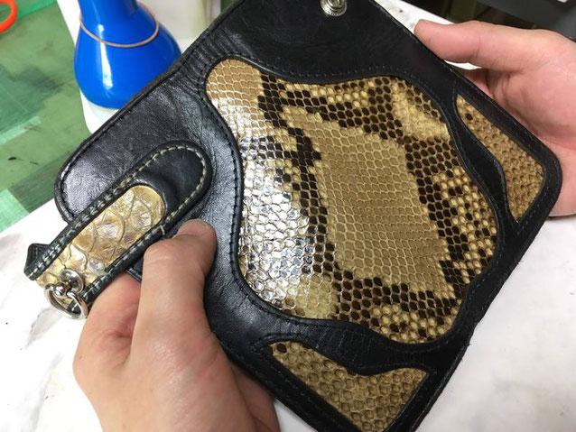 パイソン(蛇革)革財布~新しい革を張りなおしました。