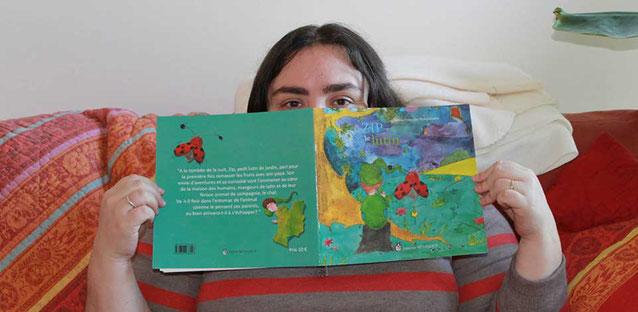 L'illustratrice Cloé Perrotin avec l'aventure mystérieuse et fantastique de Zip le lutin parue aux Éditions Benjulice
