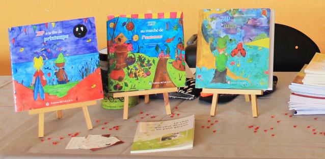 Zip au marché de l'automne est le 3ème tome de la trilogie fantastique jeunesse de Zip le lutin parue aux Éditions Benjulice illustré par Cloé Perrotin
