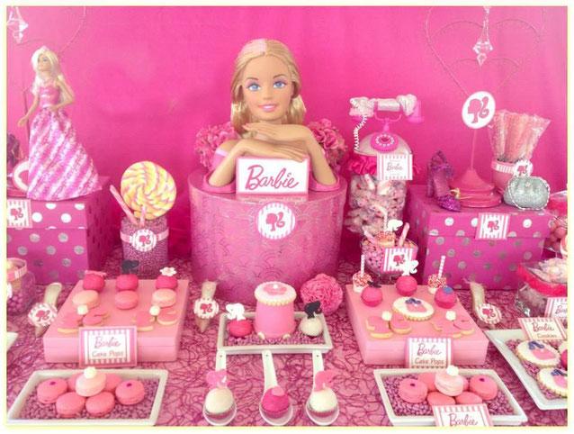 mesa de dulces de barbie