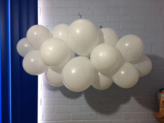como hacer una nube de globos