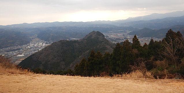 葛城山頂から城山