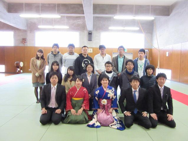 ご卒業おめでとうございます。(最前列左から 大澤政裕先輩、佐藤優里先輩、加嶋洋子先輩、丸川大輝先輩、宇和川尭先輩)