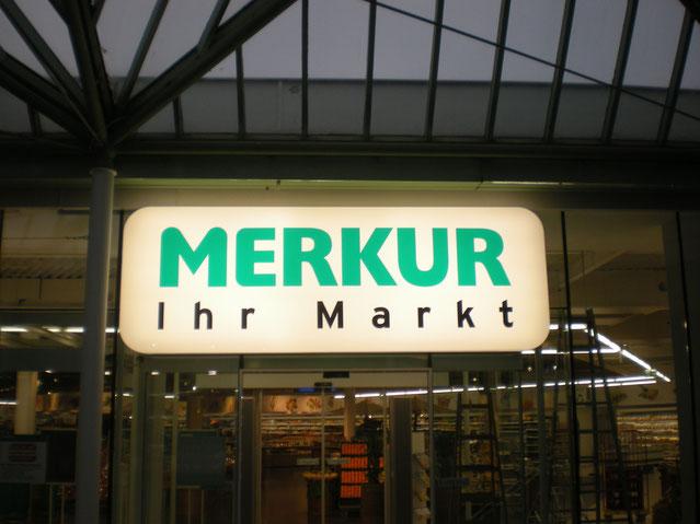 Merkur Leuchtkasten mit LED Ausleuchtung gerundeten Ecken und Acrylfront