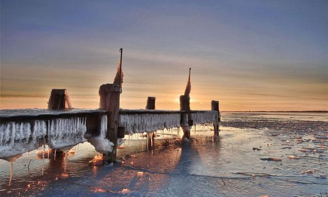 675. Bevroren steiger Durgerdam (0776-0782)