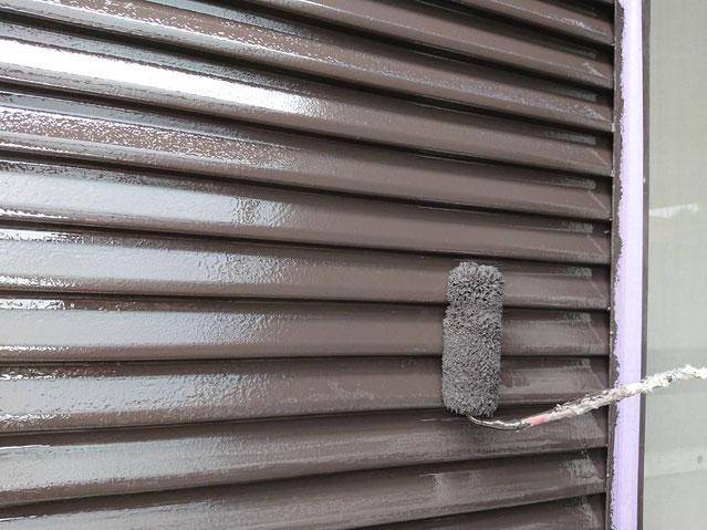 輪之内町、海津市、養老町、羽島市、大垣市、瑞穂市で外壁塗装工事中の外壁塗装工事専門店。輪之内町塩喰で外壁塗装工事/付帯の上作業中