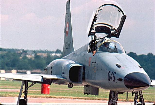 J-3046  F-5E L1046