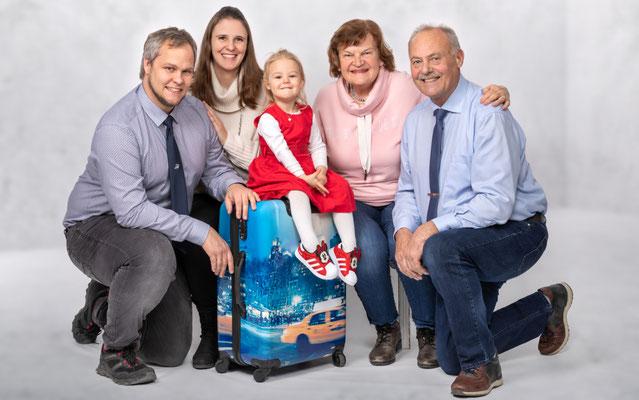 Lieselotte, Heinz, Stephanie und Michael Sprenzel mit Leonie