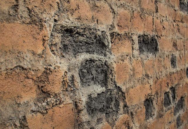 GFK Altes Ziegelmauerwerk