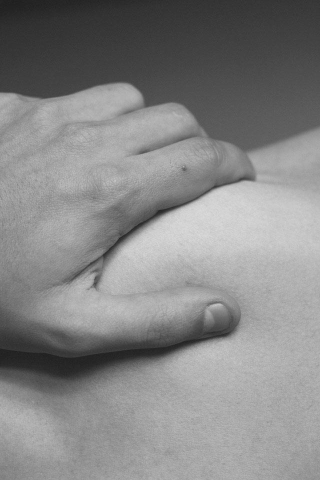 l'essenza dei sogni | velvethands milano | massaggio erotico stimolante per donne all'EXPO milano