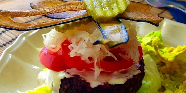 raw vegan cheeseburger from zest for life