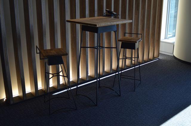 メルクシパイン集成材の自作テーブルと椅子