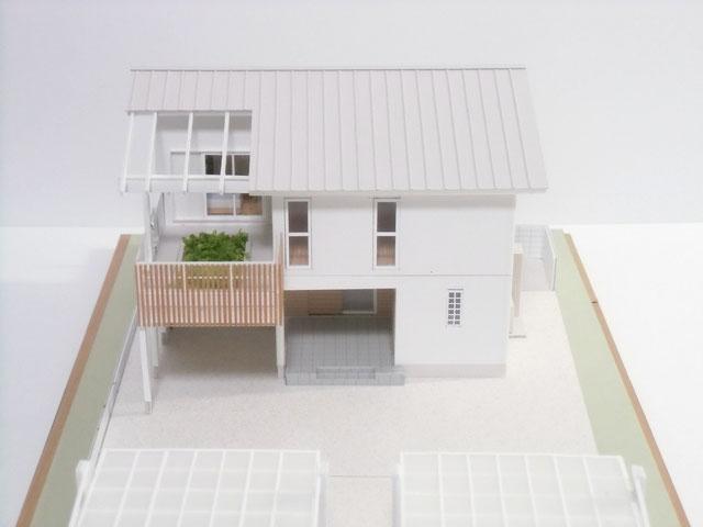 バルコニー菜園のある家の完成模型
