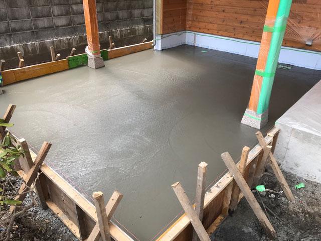 栃木県のバルコニー菜園のある家の家づくりの様子/土間コンクリート打設工事