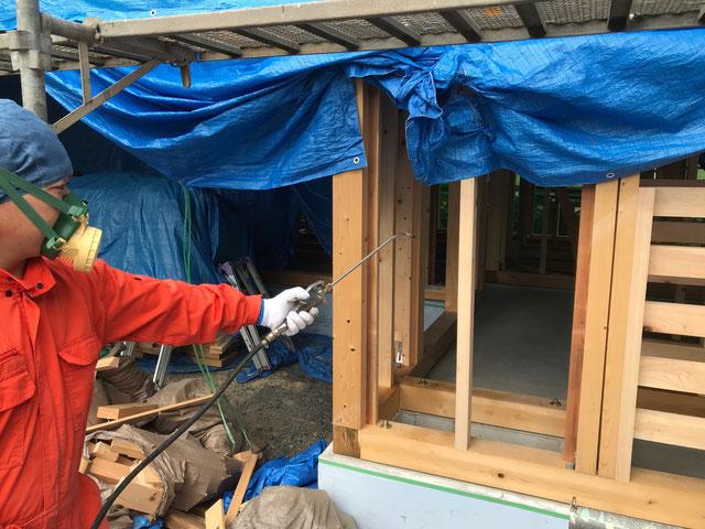 栃木県のバルコニー菜園のある家の家づくりの様子/シロアリの予防処理