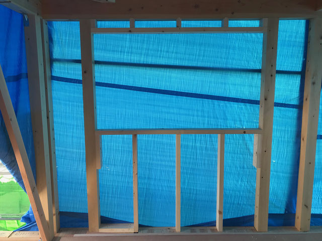 栃木県のバルコニー菜園のある家の家づくりの様子/窓台まぐさの施工