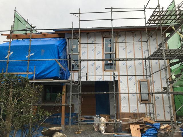 栃木県のバルコニー菜園のある家の家づくりの様子/外壁の工事