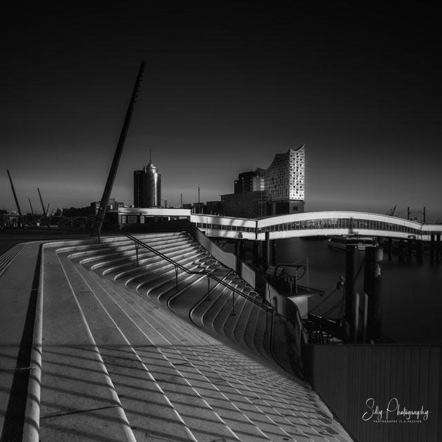 Hamburg / Elbphilharmonie, Hamburger Hafen, Baumwall, Langzeitbelichtung, 2016, © Silly Photography