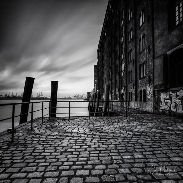 Hamburg / Hamburger Hafen, Fischmarkt, Langzeitbelichtung, 2016, © Silly Photography