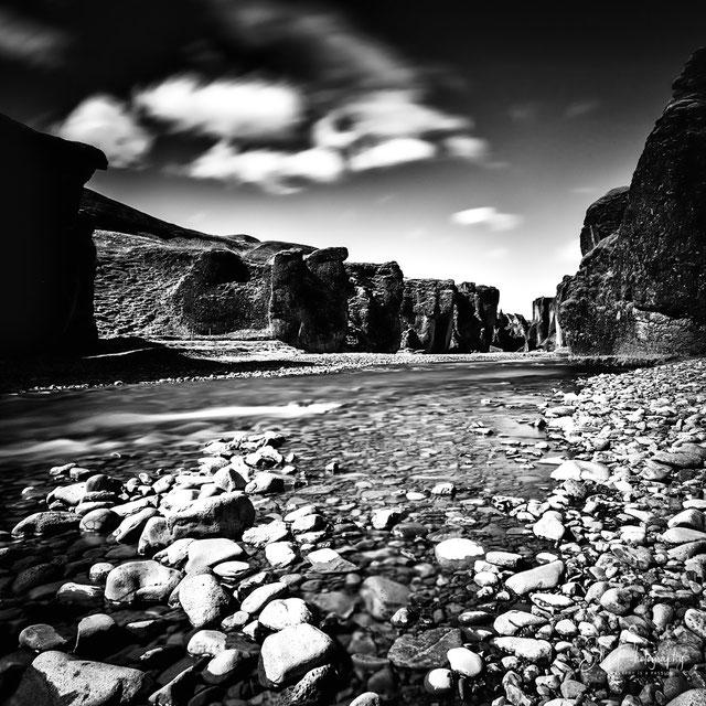 Island, Fjaôrárgljúfur Canyon,Langzeitbelichtung, 2015, © Silly Photography
