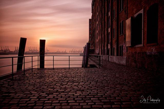 Hamburg / Hamburger Hafen, Fischmarkt, Langzeitbelichtung, 2015, © Silly Photography