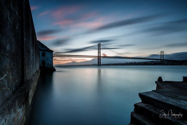 Portugal / Lissabon / Ponte 25 de Abril, Almada, Langzeitbelichtung, 2016, © Silly Photography